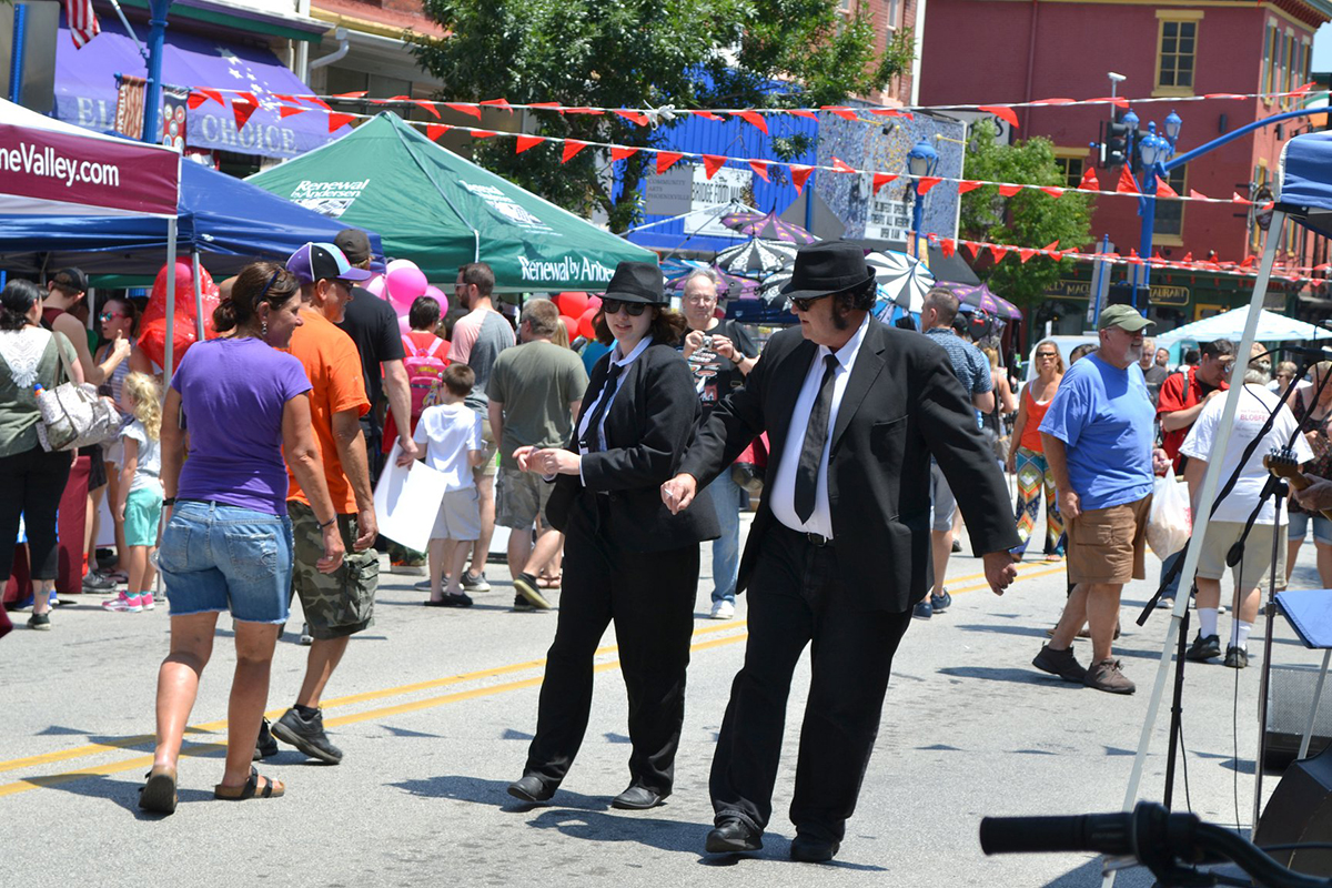 The Blues Brothers (?) made an appearance at The Blobfest Street Fair.