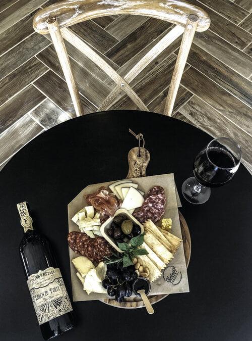 Vitner's Table